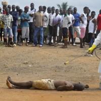 Mort dans la rue d'Ebola