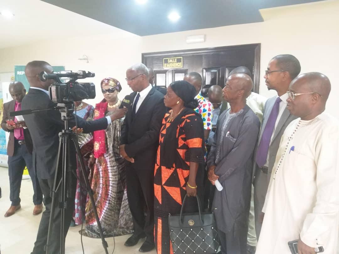 Intervention de Mr Bah Oury a la sortie du meeting avec le PM Kassory
